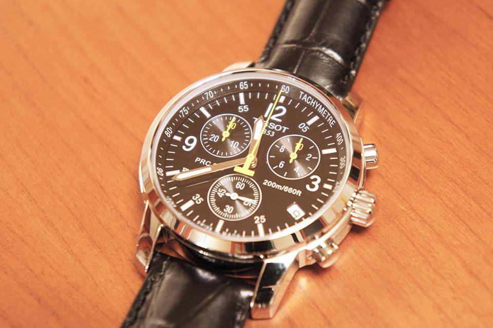 Перед покупкой связалась с менеджером магазина, про часы, доставку рассказал все довольно грамотно.